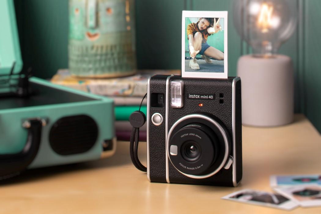 Instax Mini 40 – Key Features